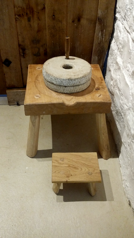 St Fagans quern stone stand